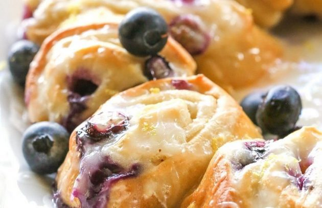 blueberry-crescent-ring-5_1460703782-e1464352602466-630x407-4725694